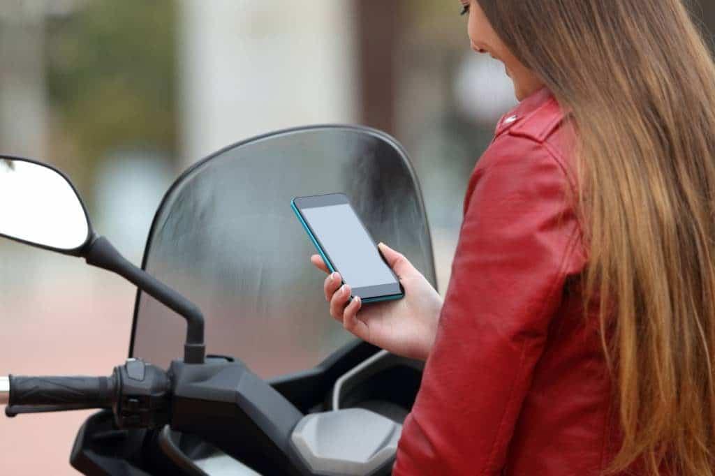 La démarche de demande de carte grise en ligne pour un scooter