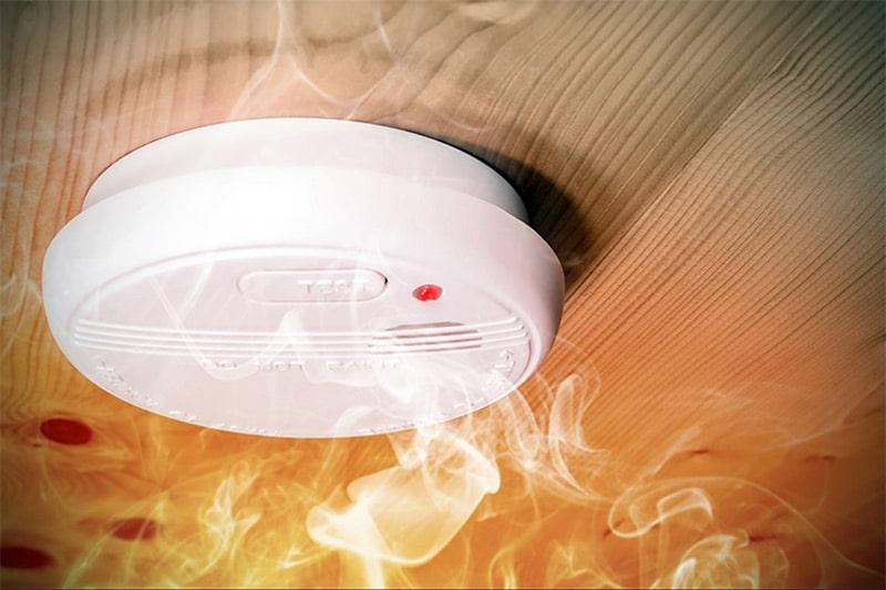 Quelle complémentarité entre un agent de sécurité incendie et une alarme incendie ?